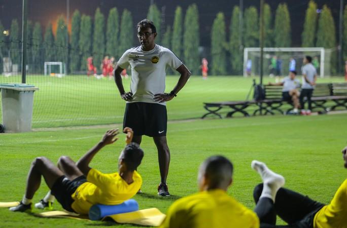 Đội tuyển Malaysia giấu bài trong buổi tập đầu tiên tại Việt Nam - Ảnh 6.