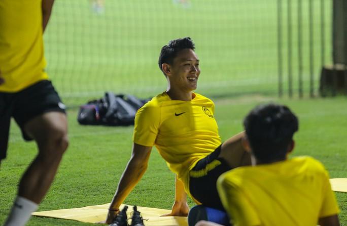 Đội tuyển Malaysia giấu bài trong buổi tập đầu tiên tại Việt Nam - Ảnh 7.