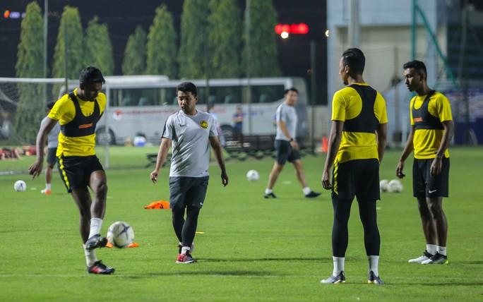 Đội tuyển Malaysia giấu bài trong buổi tập đầu tiên tại Việt Nam - Ảnh 15.
