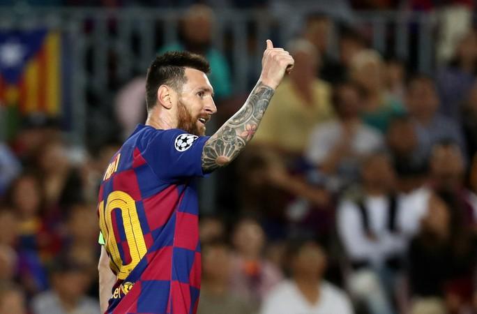 Nhận Chiếc giày vàng thứ 6, Messi tri ân hai nhân vật đặc biệt - Ảnh 1.