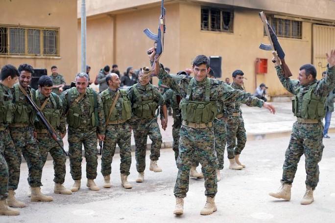 """Mỹ rút quân mở đường cho Thổ Nhĩ Kỳ """"tiêu diệt"""" đồng minh? - Ảnh 1."""
