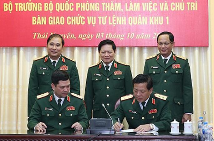 Điều động, bổ nhiệm 5 tướng lĩnh quân đội trong các vị trí Tư lệnh Quân khu - Ảnh 2.