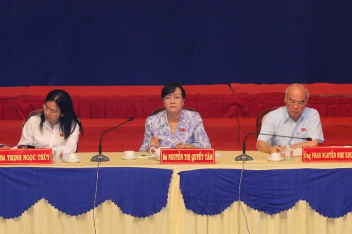 Đại biểu Quốc hội tiếp xúc cử tri quận 2, trong đó có Thủ Thiêm - Ảnh 1.