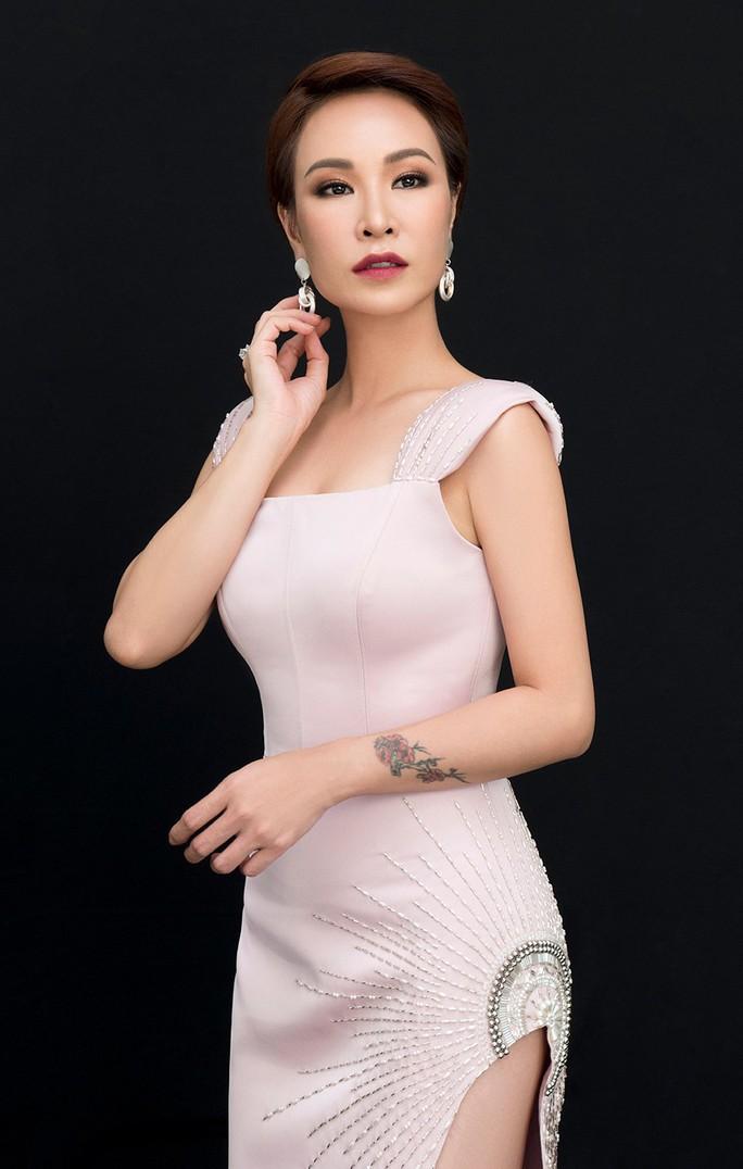 Uyên Linh, Lân Nhã lần đầu đứng chung sân khấu sau 10 năm rời Vietnam Idol - Ảnh 2.