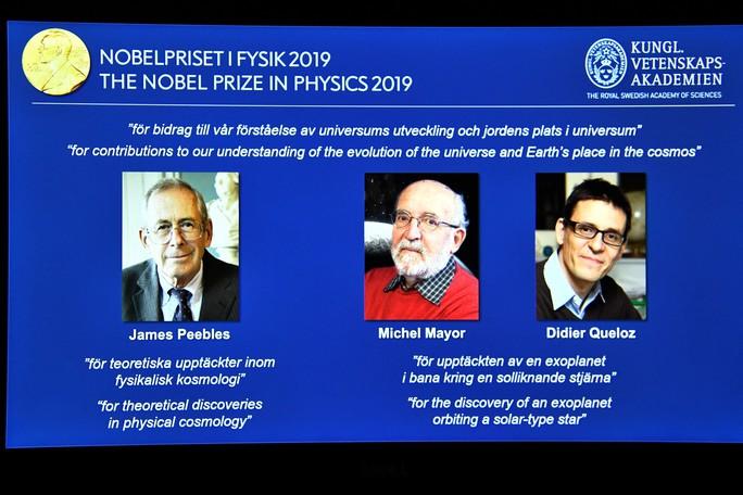 Nobel Vật lý 2019 và sự tiến hóa của vũ trụ - Ảnh 1.