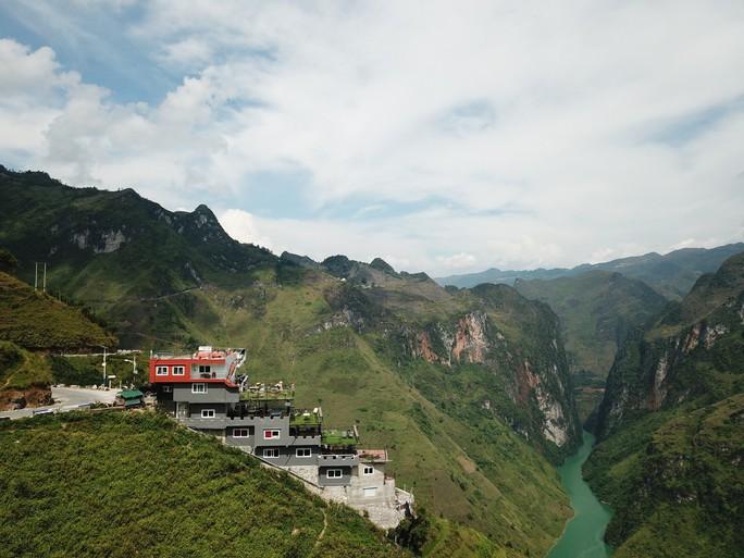 Khách sạn đè đỉnh Mã Pí Lèng: Dân phượt tiếc nuối và tức giận - Ảnh 8.