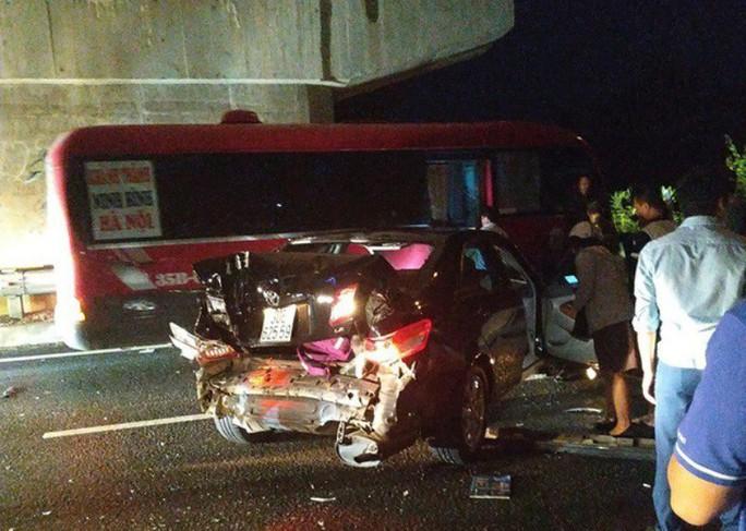 Bất ngờ nguyên nhân tử vong của người phụ nữ trên xế hộp trong tai nạn giao thông - Ảnh 1.