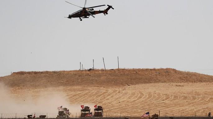Thổ Nhĩ Kỳ động binh ở Syria, ông Trump đổi giọng - Ảnh 1.