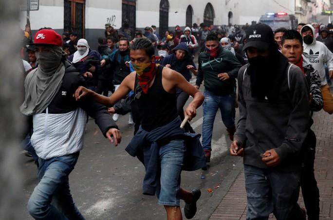 Ecuador: Biểu tình bạo lực, tổng thống rời khỏi thủ đô - Ảnh 2.