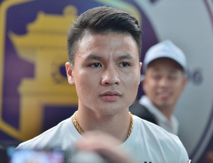 Quang Hải chia sẻ khát khao cùng U22 Việt Nam vô địch SEA Games 30 và ra nước ngoài chơi bóng - Ảnh 1.