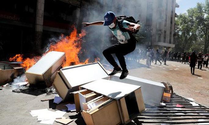 Mỹ: Châm ngòi bạo lực ở Chile không ai khác ngoài Nga - Ảnh 2.