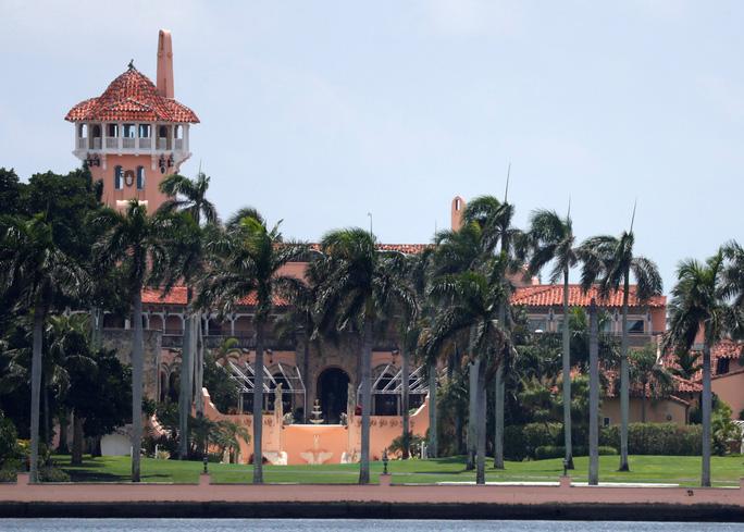 Tổng thống Trump đổi nơi cư trú để... né thuế? - Ảnh 2.