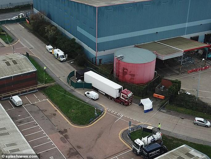 Vụ 39 thi thể trong container: Tài xế thứ 2 bị truy tố - Ảnh 2.