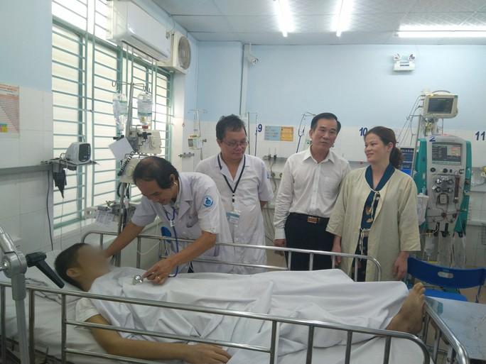 Cậu bé bệnh nặng tới nỗi không thể chuyển viện ở Bà Rịa - Vũng Tàu hồi sinh thần kỳ - Ảnh 1.