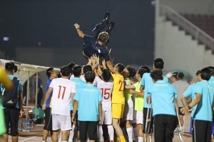 U19 Việt Nam xuất sắc cầm hòa Nhật Bản, hy vọng lấy vé vào VCK U19 châu Á 2020 - Ảnh 7.