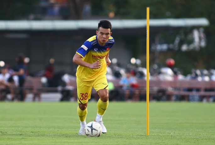 HLV Park Hang-seo gạch tên Ngô Hoàng Thịnh ở trận gặp UAE - Ảnh 1.