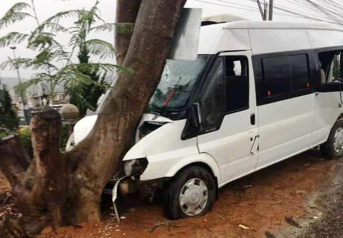 Liên tiếp xảy ra tai nạn giao thông trên đèo Phú Hiệp, Quốc lộ 20 - Ảnh 2.
