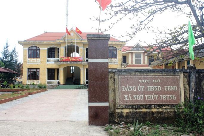 Quảng Bình: Gần 300 cán bộ dôi dư phải nghỉ hưu non sau sắp xếp - Ảnh 1.