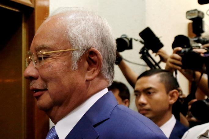 Cựu thủ tướng Malaysia phải trả lời liên quan đến 42 triệu RM - Ảnh 1.