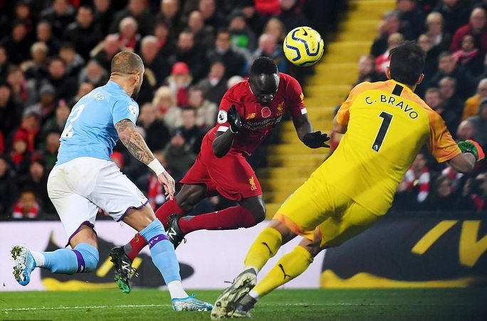 Trọng tài và VAR chống lưng cho Liverpool nhưng Liverpool thắng xứng đáng! - Ảnh 7.