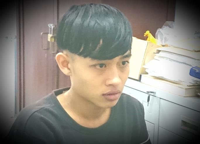 Thanh niên 17 tuổi khai lý do đâm gục bảo vệ bệnh viện ở An Giang  - Ảnh 1.