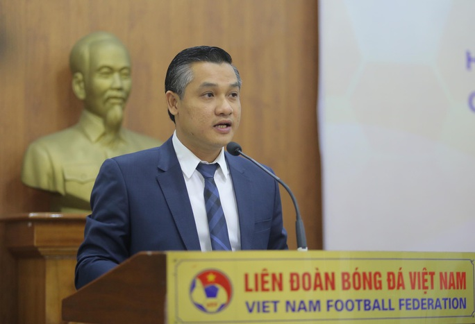 Lộ thêm nhà tài trợ trả lương khủng cho HLV Park Hang-seo - Ảnh 4.