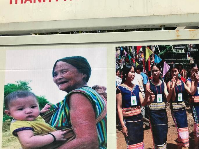 Khai mạc triển lãm Đồng bào các dân tộc tại đường đi bộ Nguyễn Huệ - Ảnh 5.