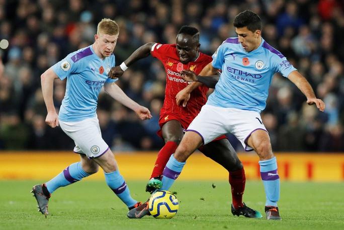 Màn độc diễn của Liverpool - Ảnh 1.