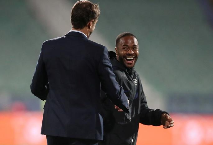 Tấn công đồng đội, Sterling bị loại khỏi tuyển Anh - Ảnh 5.