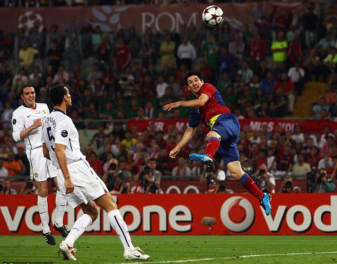 300 cầu thủ Barcelona nhận lương trọn đời nhờ siêu phẩm của Messi  - Ảnh 5.