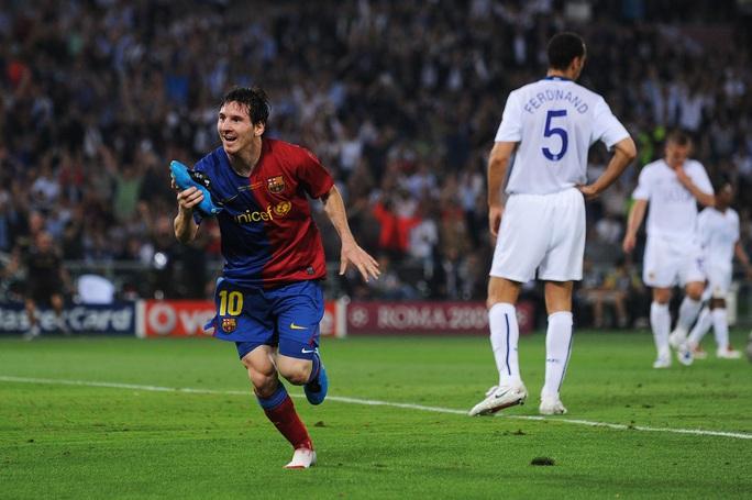 300 cầu thủ Barcelona nhận lương trọn đời nhờ siêu phẩm của Messi  - Ảnh 6.
