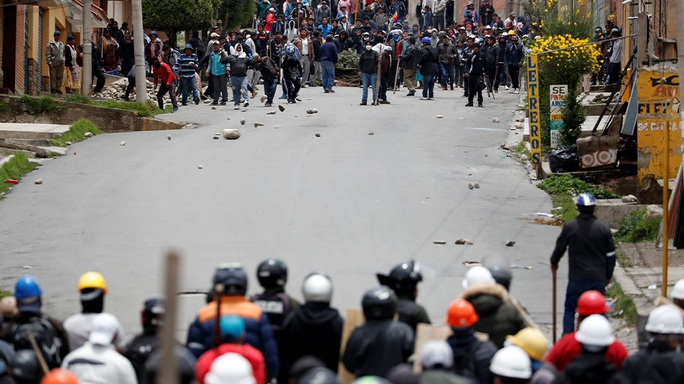 Lo cựu tổng thống Bolivia bị nguy hiểm tính mạng, Mexico cho phép tị nạn - Ảnh 5.