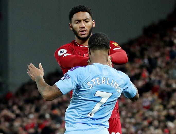 Tấn công đồng đội, Sterling bị loại khỏi tuyển Anh - Ảnh 2.