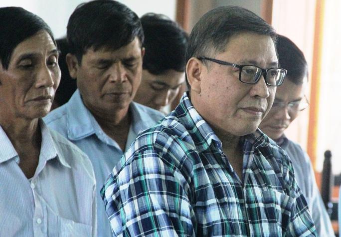 Phú Yên: Không giảm án cho nguyên chủ tịch huyện kêu oan  - Ảnh 2.