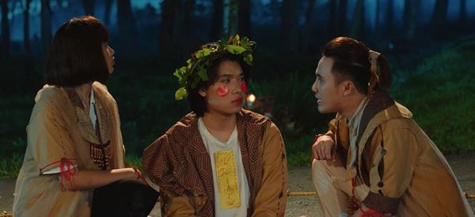 Khai thác đồng dao trong phim kinh dị Việt - Ảnh 1.