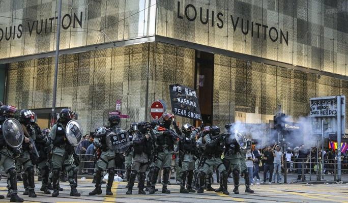 Hồng Kông: Biểu tình chưa hạ nhiệt, giao thông hỗn loạn - Ảnh 4.