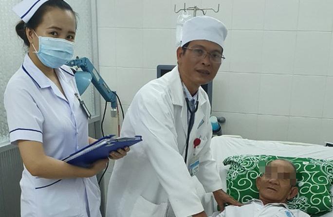 Lần đầu tiên ở ĐBSCL cứu sống bệnh nhân ung thư gan di căn - Ảnh 1.