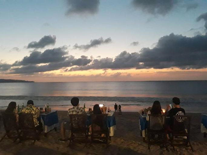 Chiều chuộng mọi giác quan trong bữa tối Bali - Ảnh 2.