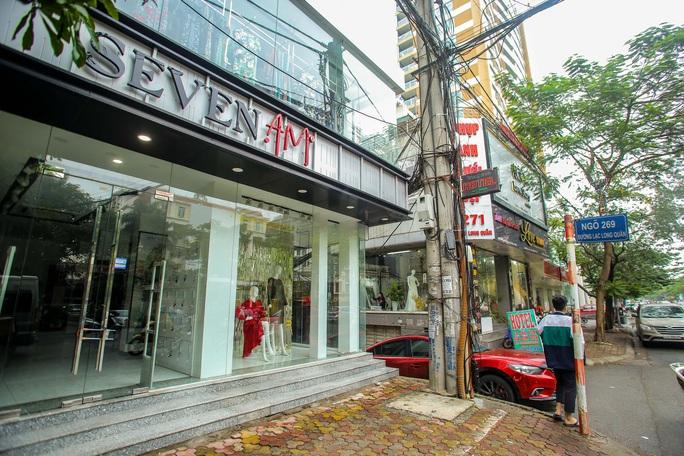 Cận cảnh cửa đóng then cài của chuỗi cửa hàng Seven.Am sau nghi vấn cắt mác Trung Quốc - Ảnh 5.