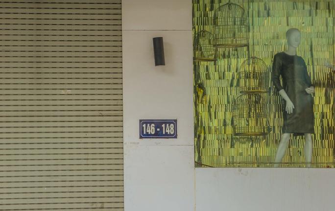 Cận cảnh cửa đóng then cài của chuỗi cửa hàng Seven.Am sau nghi vấn cắt mác Trung Quốc - Ảnh 14.