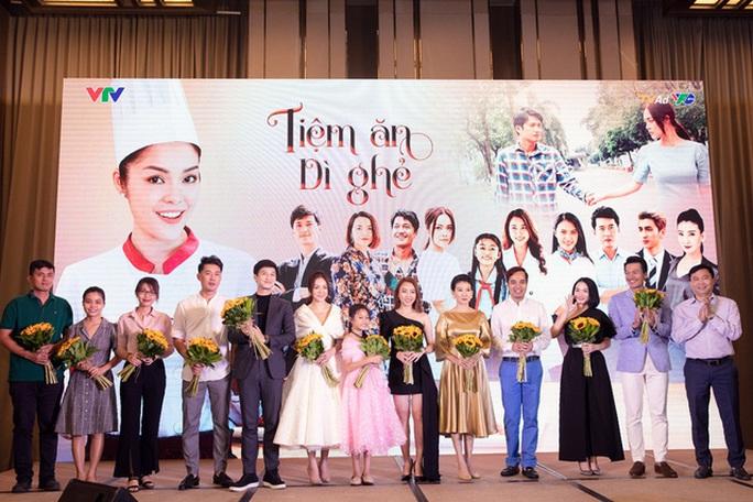 Dương Cẩm Lynh lần đầu làm mẹ đơn thân trên màn ảnh - Ảnh 3.