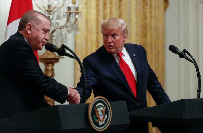 """Ông Trump gặp """"thần tượng"""" Thổ Nhĩ Kỳ, quốc hội tức tối - Ảnh 1."""