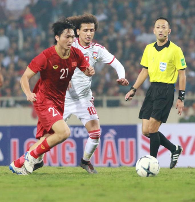 Á quân World Cup, HLV Marwijk nể tuyển Việt Nam - Ảnh 1.
