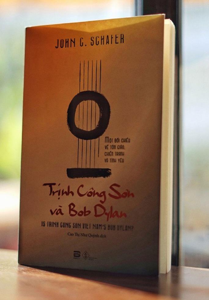 Bob Dylan - Trịnh Công Sơn: Gió Đông, gió Tây - Ảnh 1.