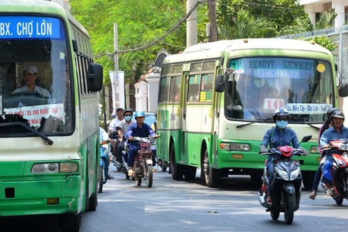 TP HCM: Nhiều chủ xe buýt kêu khó, đòi ngưng hoạt động - Ảnh 1.
