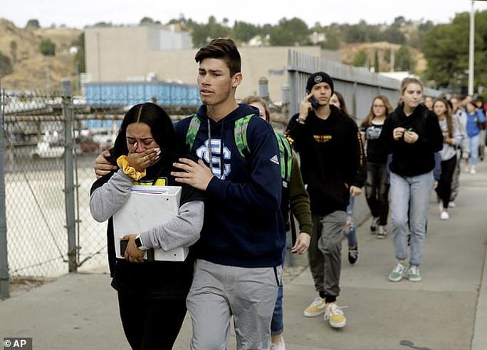 Điều gì khiến học sinh gốc Á rút súng bắn người ngay ngày sinh nhật? - Ảnh 5.
