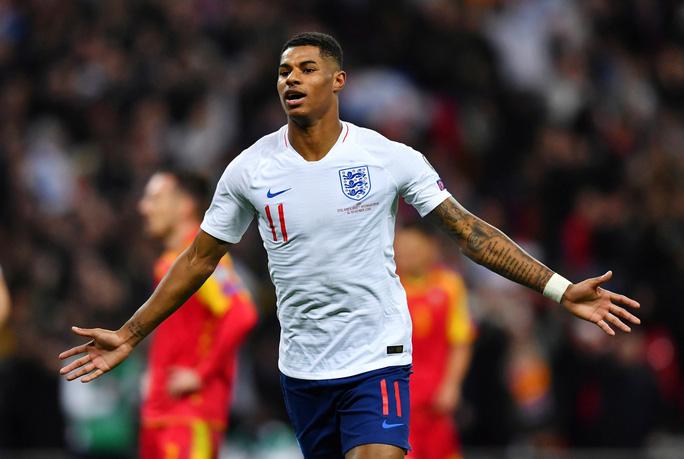 Mưa kỷ lục ở Wembley, tuyển Anh đoạt vé dự Euro 2020 - Ảnh 3.