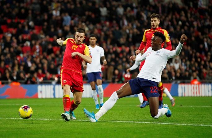 Mưa kỷ lục ở Wembley, tuyển Anh đoạt vé dự Euro 2020 - Ảnh 6.