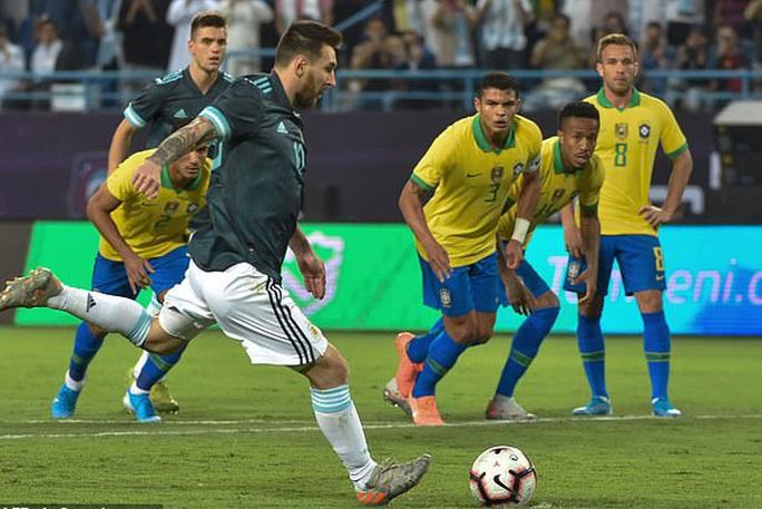 Messi tái xuất, Argentina hạ Brazil, đoạt cúp siêu kinh điển Nam Mỹ - Ảnh 7.