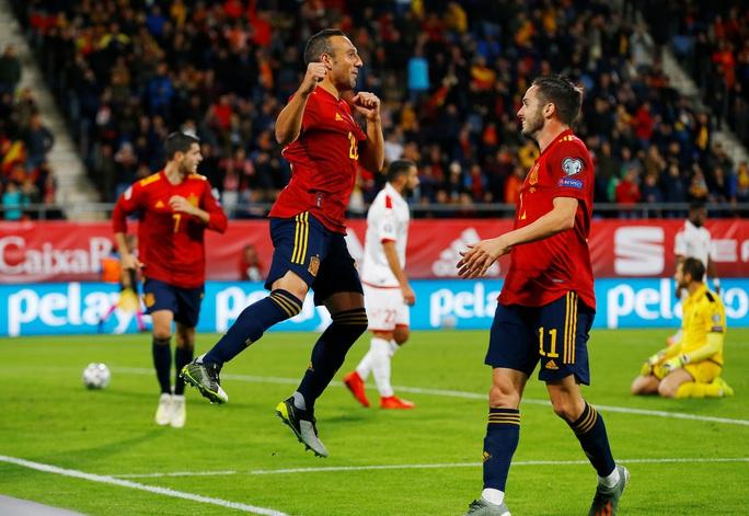 Cazorla trở lại, Tây Ban Nha vượt qua vòng loại Euro 2020 - Ảnh 4.